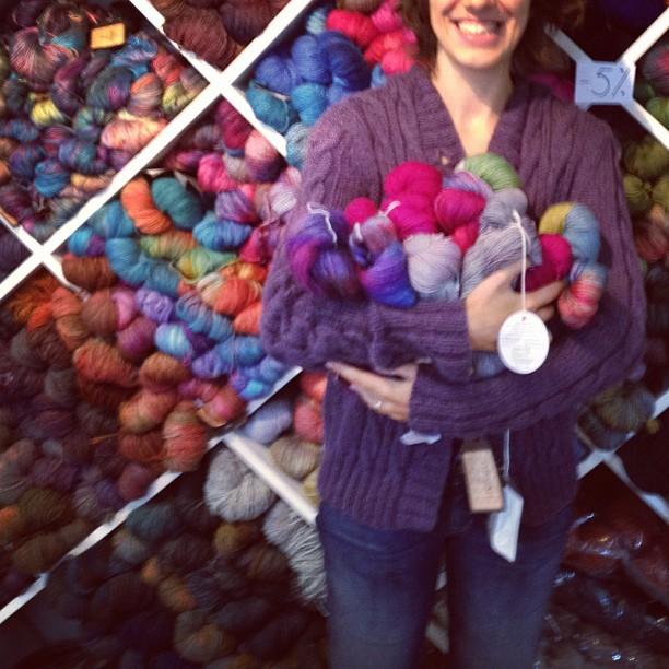 Buying knitting yarn in Santiago